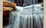duş duvarları için şelale tasarımlı fayanslar, resimli fayanslar, yaratıcı fayans tasarımları, üç boyut fayanslar, ilginç banyo tasarımları, modern duş tasarımları, duş teknesi için resimli fayans ve resimli seramikler, en güzel banyo dekorasyonu, en iyi banyo tasarımları