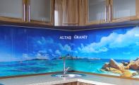 Mutfak cam modeli. Triadoor mutfak tezgahı arkası duvar cam kaplama sanatı
