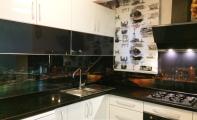 istanbul - Şişli dekoratif cam panel uygulaması, mutfakların yeni yüzü resimli cam uygulaması, manzara baskılı mutfak alnı