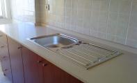 Cimstone orjinal kalınlık uygulamalı mutfak tezgah seti. Çimstone istnabul-Ataşehir mutfak tezgahı uygulaması Altaş Granit güvencesiyle..