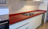 Çimstone kırmızı kristalli modeli Recife mutfak tezgahı uygulaması, çimstone istanbul - koşuyolu mutfak uygulaması, Orjinal çimstone ürünler için doğru adres Altaş mermer sanayi