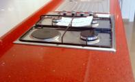 Çimstone kristal taneli kırmızı Recife ürün mutfak tezgahı.Kadıköy - Acıbadem çimstone uyulaması.