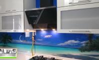 Mutfak tezgah arkası cam panel, resimli mutfak dolapları