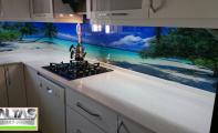 Mutfak dolap altı  resimli  cam kaplama, tezgah arası resimli kaplamalar