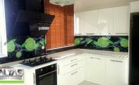 Çimstone Beyaz (barets) mutfak tezgahı- Mutfak Arkası Resimli Cam Uygulaması