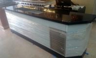 Çimtone bar bankosu alın ve yüzey kaplaması, orjinal çimstone ürünlerden imal edilir. Çimstone siyah - aynalı Savana ürün banko kaplaması.