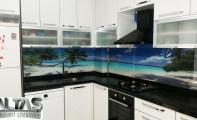 maldivler manzarası baskılı mutfaklar, mutfak tezgahlarına yeni uygulamalar, farklı mutfak uygulamaları.