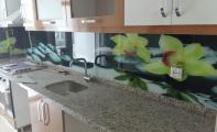 mutfak için resilmi camlar, resmli mutfak kaplamaları