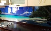 Mutfak tezgahları için manzara baskılı kaplama panelleri.. Triadoor cam panel kaplamalar hijyenik ve şıktır..