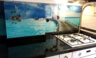 Mutfak fayans modelleri, tezgah arkası cam karolar, manzara baskılı mutfak arası cam, 3d cam mozaik pano, üç boyutlu cam mozaik paneller,Mutfak tezgah üstü fayans, resimli cam fayans paneli, 3boyutlu mutfak arası, tesgah üstüne cam kaplama kadıköy yakası uygulama merkezi, 3D resimli fayans, 3D cam mutfak, cam mutfak arkası kaplamalar, mutfaklara cam panel kaplaması, tezgah arası cam uygulama, temperli cam paneller, mutfak ve banyo fayans modelleri resimli