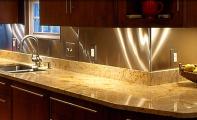 Doğal granit Giallo Ornamantale Mutfak Tezgahı uygulama örneği.