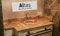 oniks mermer lavabo ve banyo uygulaması, brown- kahve oniks
