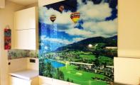 Sınırsız manzara dekor seçeneği ile oda duvarlarınıza renk katıyoruz. Küçük odaların duvarlarına panel kaplayarak ferahlatma imkanı veren Triadoor 3D duvar çözümleri. İster duvar kağıdına isterseniz kırılmaz cama uygulama yaptırabilirsiniz.