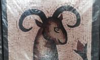 firmaların logoları mermer mozaikle hayat buluyor. Firma ve şirket logoları duvarlarda mozaikle canlanıyor.