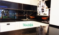 dekoratif mutfak arası resimli mozaik resimli cam panel ve cam fayanslar.
