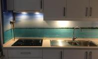 Mutfak arası cam kaplama, doğa ve deniz resimli cam kaplama, mutfak dolap ve mutfak mermer arası resim, resimli cam