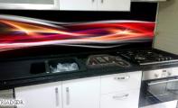 Dekoratif mutfak arası panel kaplama, kırılmaz cama resim uygulama şeklinde hazırlanan paneller kırılmaz ve yanmaz özel camdan yapılır.