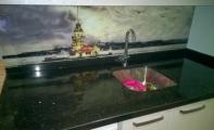 Mutfak arkası duvar kaplaması. Resimli cam paneller TRIADOOR. Uygulanmaya hazır çözünürlükte yüzlerce resim alternatifi mevcuttur.