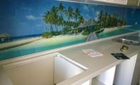 CIMSTONE mutfak tezgah uygulaması ve mutfak tezgah arası cam panel (triadoor) uygulaması
