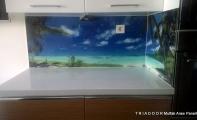 Mutfak tezgah sırt kaplaması Triadoor. Binlerce resim seçeneğiyle mutfaklarınıza derinlik katan yepyeni bir üründür.
