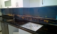 Mutfak Tezgahlarında Üç boyutlu camlar, Triadoor. şık ve hijyenik cam paneller.