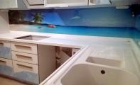 Kırılmaz-Yanmaz-Leke tutmaz camdan imal edilen mutfak dolap arası lazer baskılı cam panel. Mutfağınıza sanatsal bir dokunuş..Triadoor 3D cam kaplama.